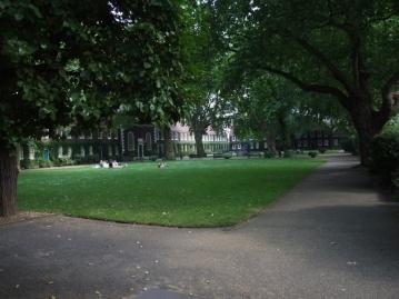 Geffrye Museum Gardens E2