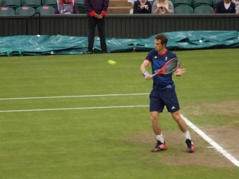 Andy Murray warms up.