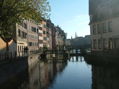 The river Ill runs through Strasbourg - this is a lock raising the level as it flows into Petite France.
