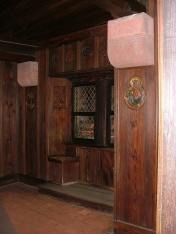 Some more of that cool paneling