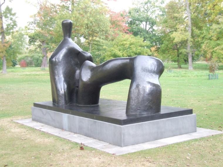 Reclining Figure: Arch Leg, 1969-70