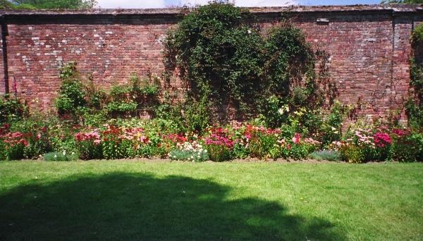 The border in the sundial garden.
