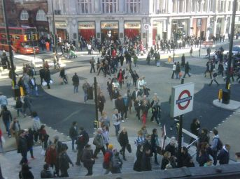 New style pedestrian crossing @ Oxford Circus.