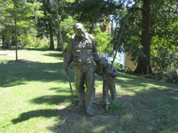 Statue of father and son fishing