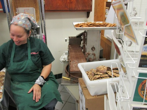 Southern Candymakers making pralines