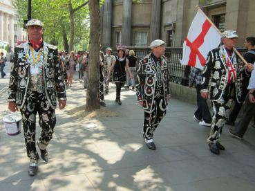Pearly kings and queens - be lucky