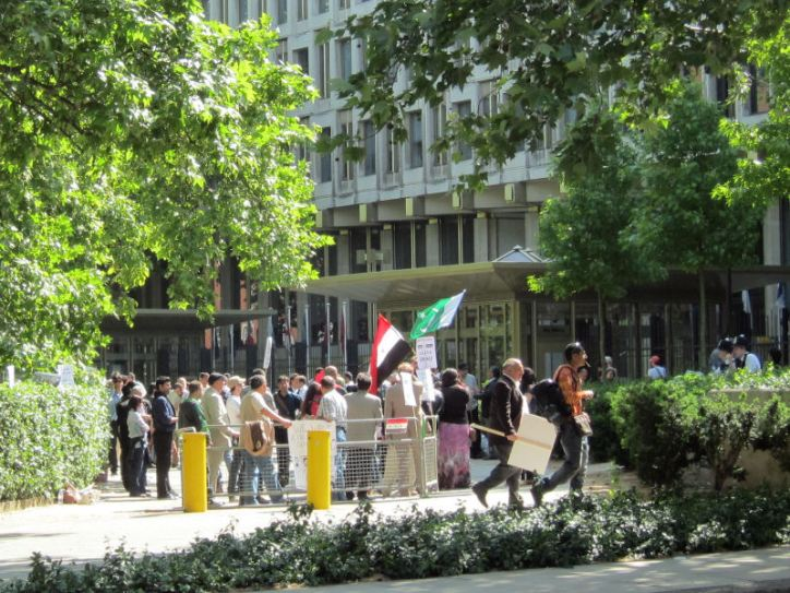 Iraqi protesters @ grosvenor square