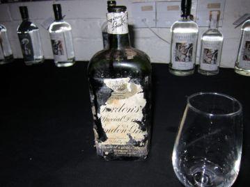 tasting a 1911 Gordon's gin - thanks Sam