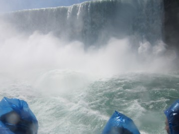 Getting really close to Horseshoe Falls