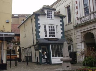 Wonky house (Windsor)