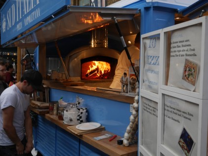 Wood oven pizza in a van!