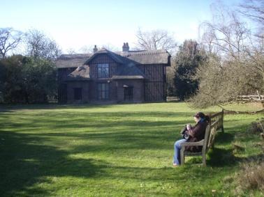 Queen Michelle's cottage picnic
