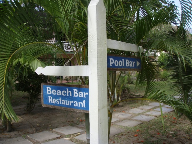 ...which bar to use when snorkelling at Arnos Vale.