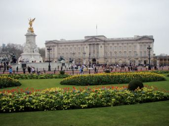 Buckingham Palace, Easter Sunday
