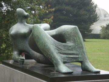 Reclining Figure, 1982