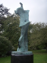 Large Standing Figure: Knife Edge, 1976