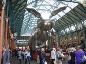 Jeff Koons rabbit @ Covent Garden.
