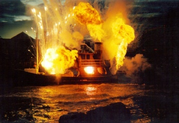 Oh my god! The boat exploded!