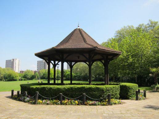 19 Pad Rec bandstand