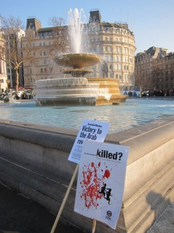 Frozen fountains @ Trafalgar square