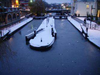 06 Camden lock froze over.