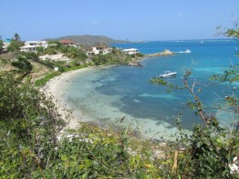 Snorkelling beach within walking distance
