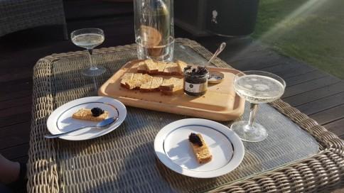 Caviar & Prosecco